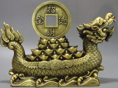 golden symbol of wealth